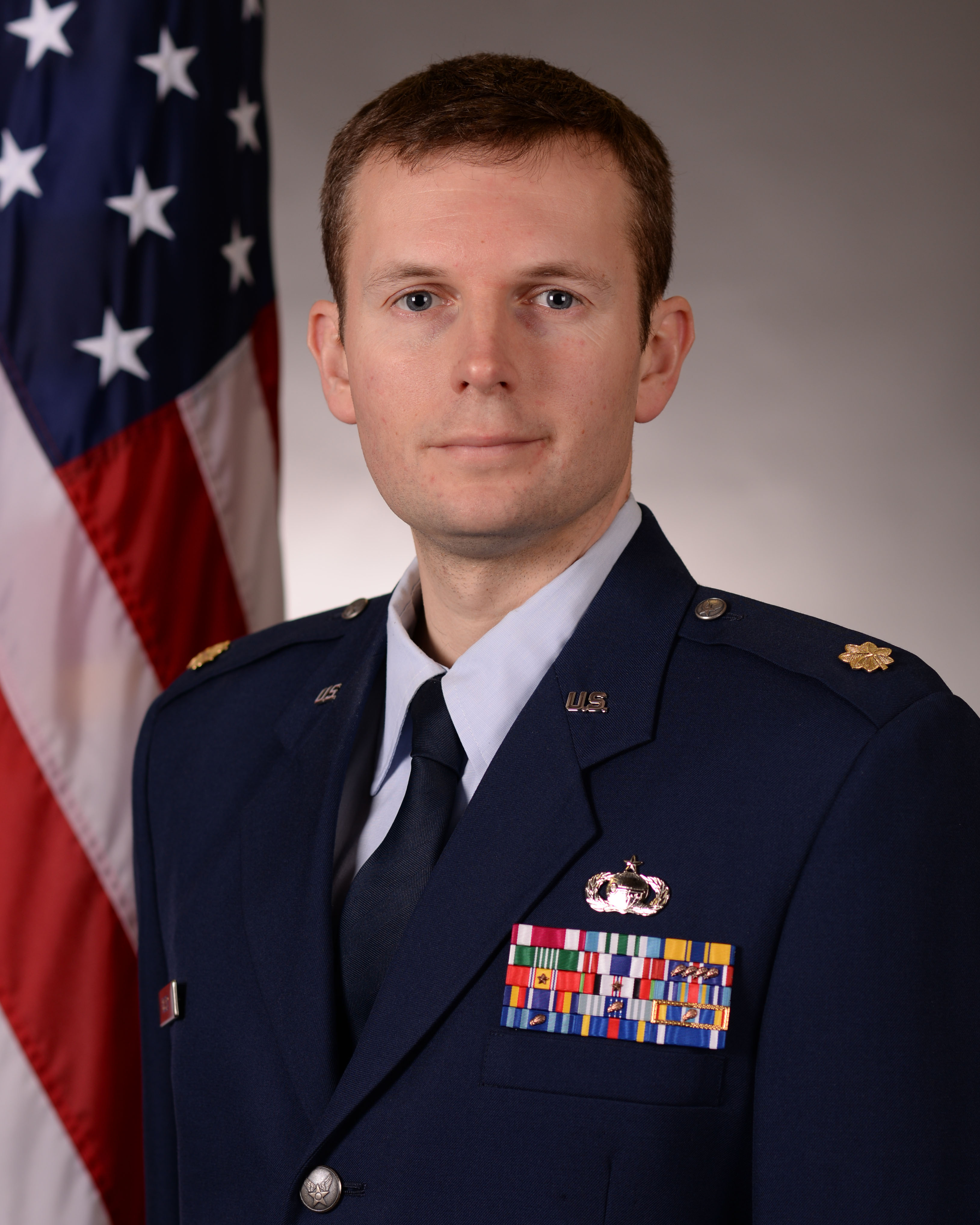 Photo of Maj John P. Biszko, USAF wear USAF service dress uniform
