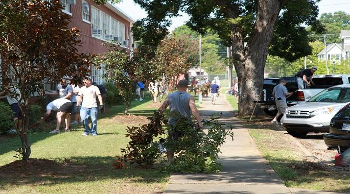 SOS Student Volunteer Cleanup